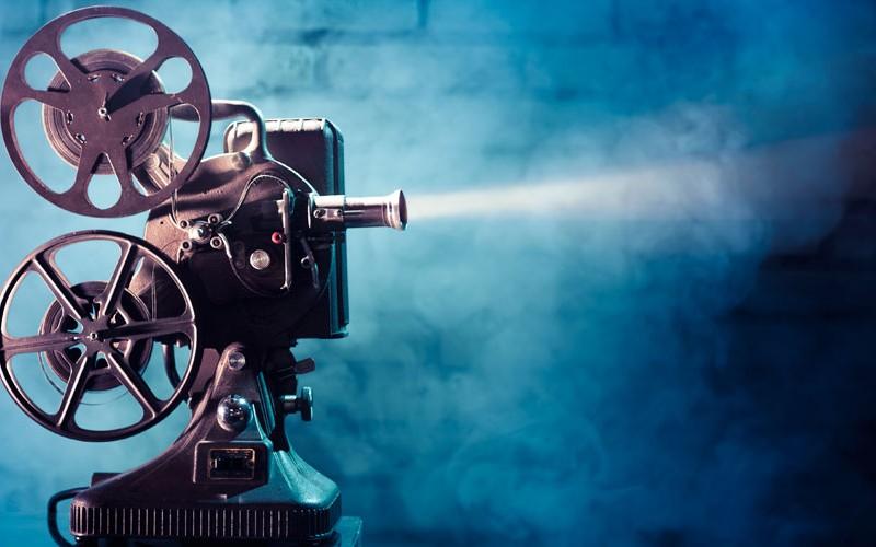 просмотр лучших фильмов via shutterstock