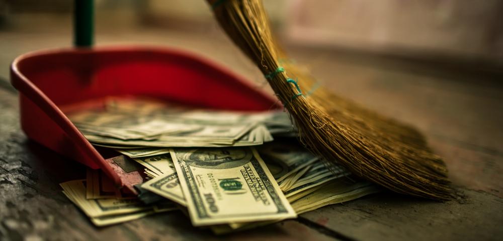 деньги, утечка, собирают, via shutterstock