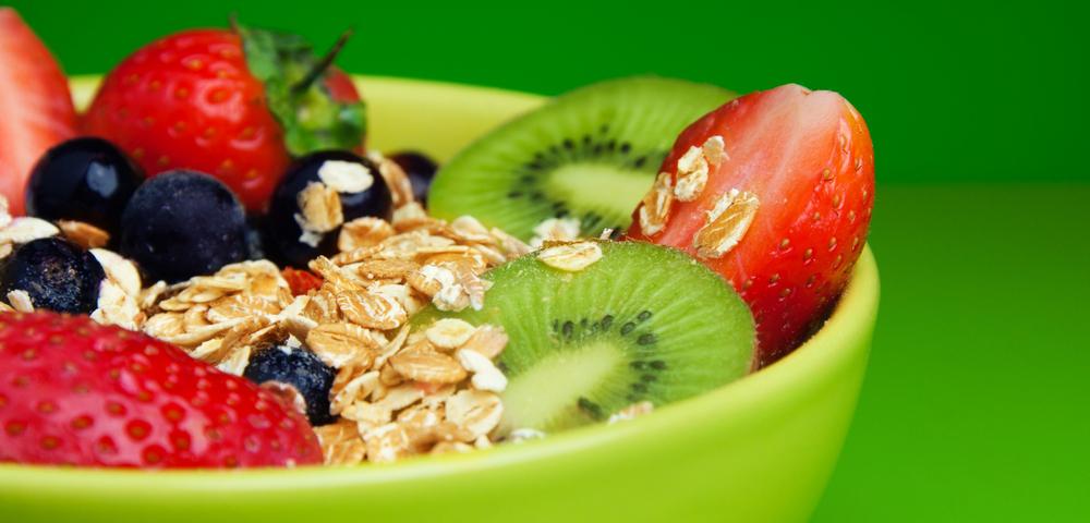 полезная еда, фрукты, овощи, зеленый фон, via shutterstock