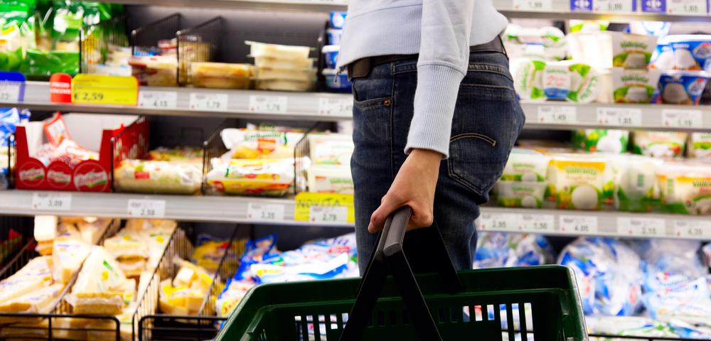женщина в супермаркете, продукты, via