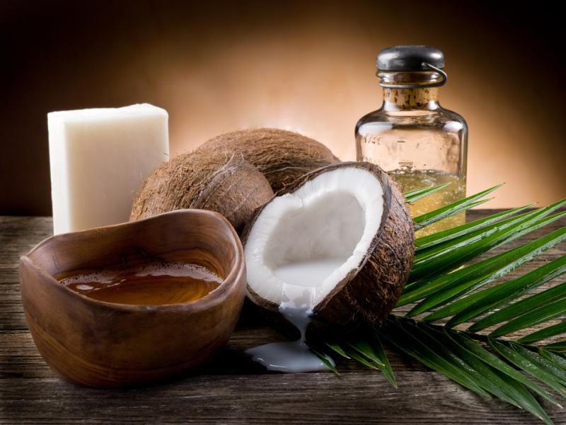кокос, кокосовое масло, via shutterstock