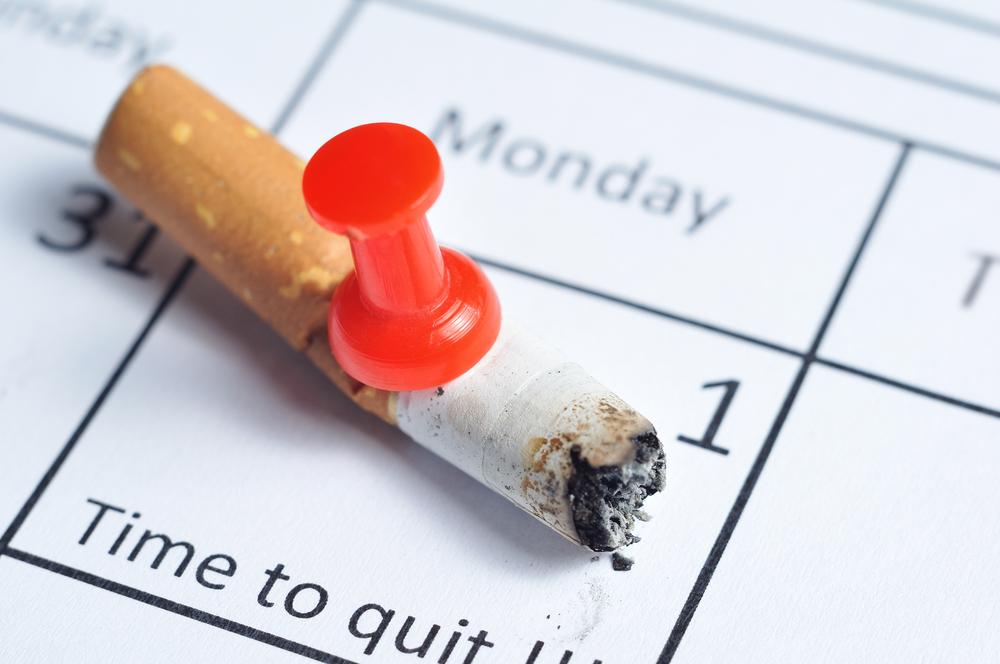сигарета на календаре, бросить курить, via shutterstock