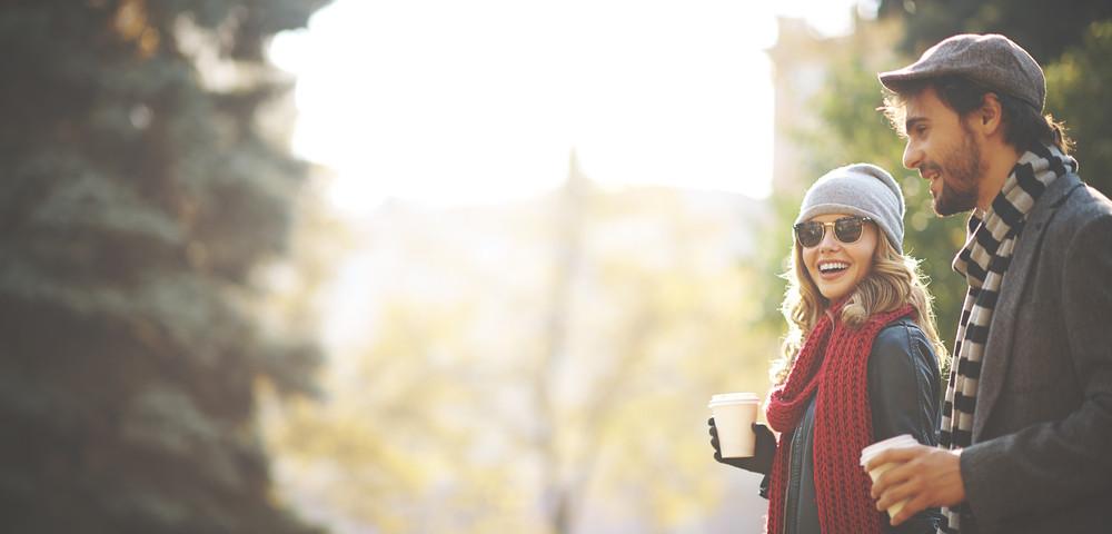 солнечное утро, мужчина и женщина, via shutterstock,