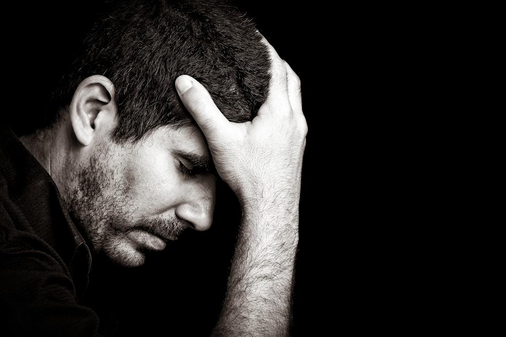 мужчина, тревожность, via shutterstock