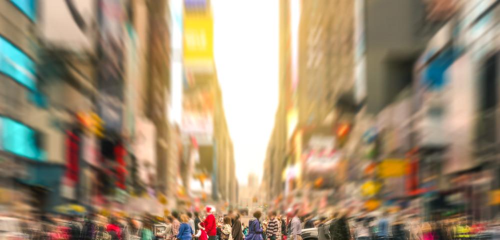 поток людей на улице, via shutterstock