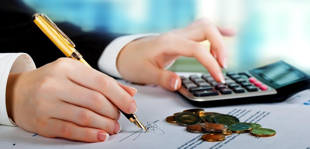 плата по счетам, via shutterstock
