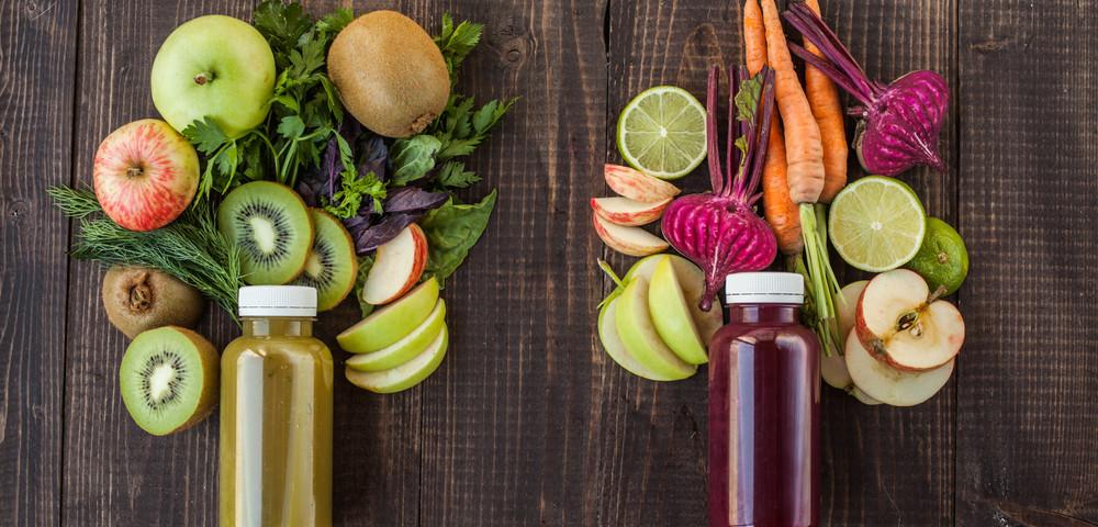 смузи из овощей и фруктов, via shutterstock
