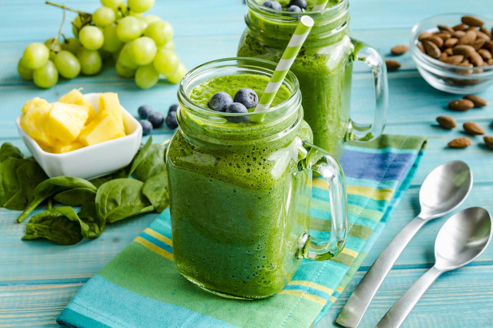 зеленый напиток, via shutterstock