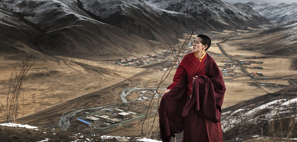 китайский монах, via shutterstock