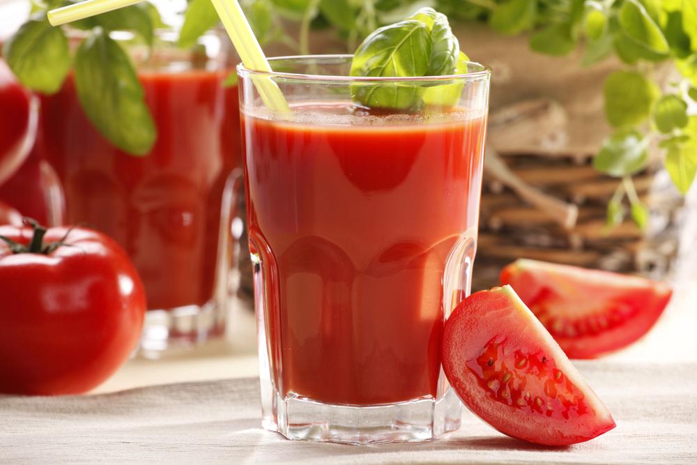 томатный сок, via shutterstock