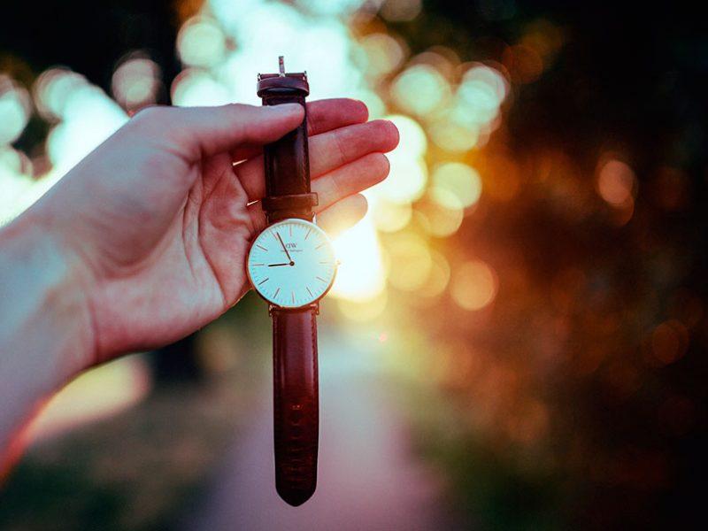 Попробуйте в течение двадцати четырёх часов принимать всё, что бы ни случилось.