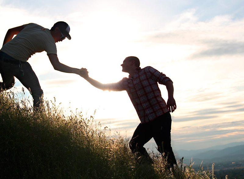 Странный закон взаимодействия: больше помогаешь — хуже к тебе относятся