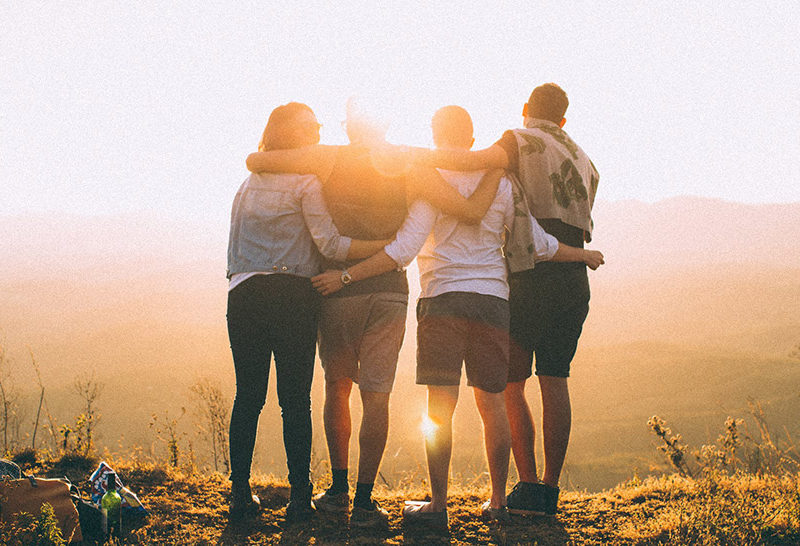 Невероятная причина, по которой успешные люди избегают посредственных друзей